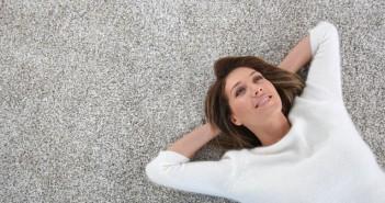 Teppichböden gehören zu den häufigsten Bodenbelägen, die sich Menschen für ihre Wohnung wünschen.