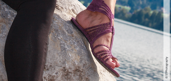 Frau großer Fuß