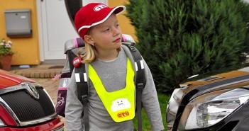 Schulkind sicher auf dem Weg zur Schule