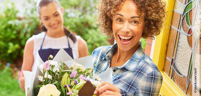 Header Blumenstrauß mit Grüßen