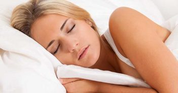 Header erholsamer Schlaf trotz Frühjahrsmüdigkeit