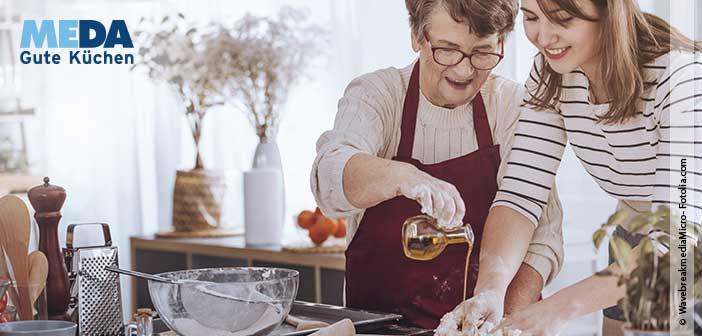 Omas neue Küche gibt's bei MEDA Gute Küchen