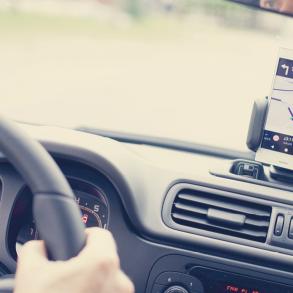 Das Auto mit dem Smartphone steuern